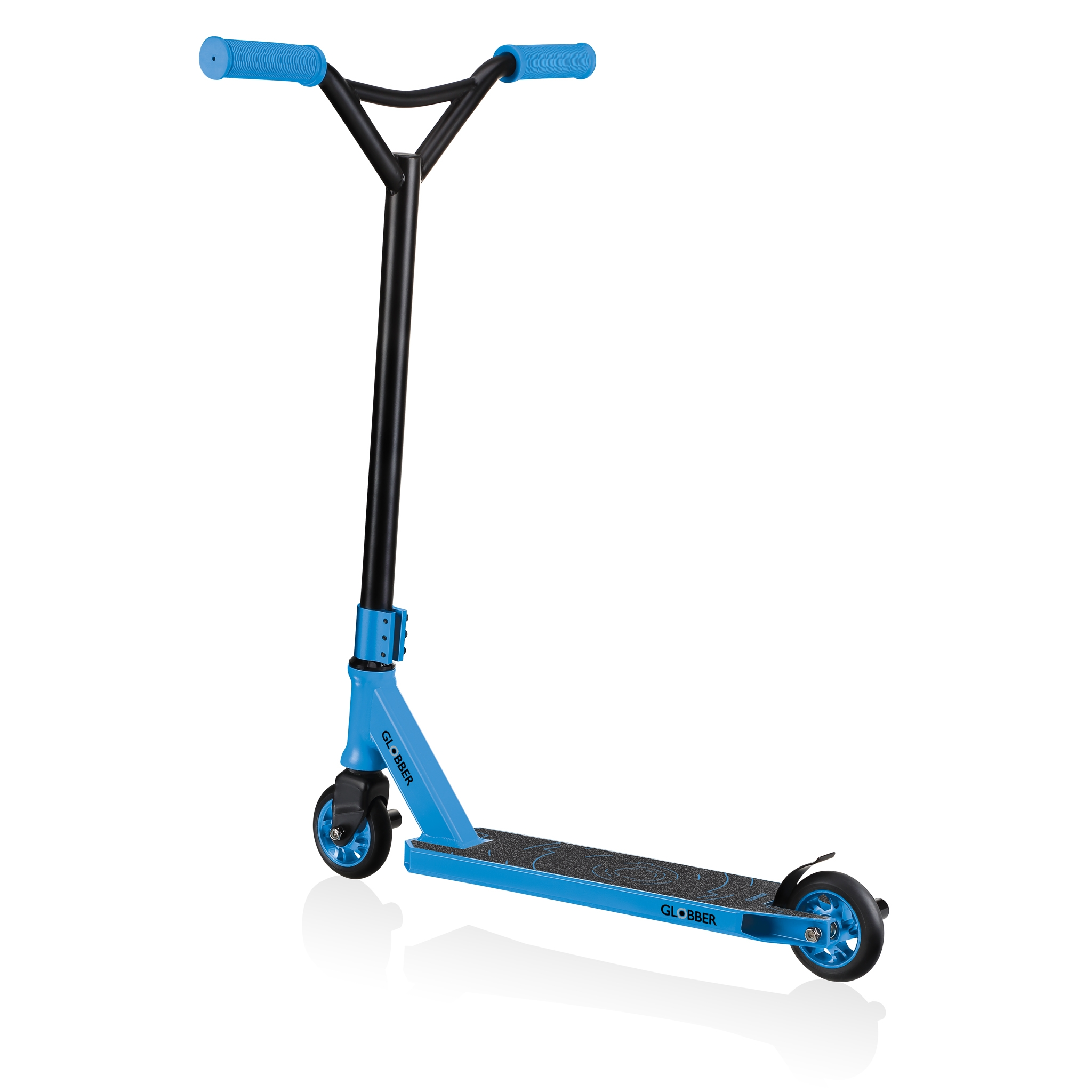 stunt scooter for kids and teens aged 8+ with pegs - Globber GS 540 2