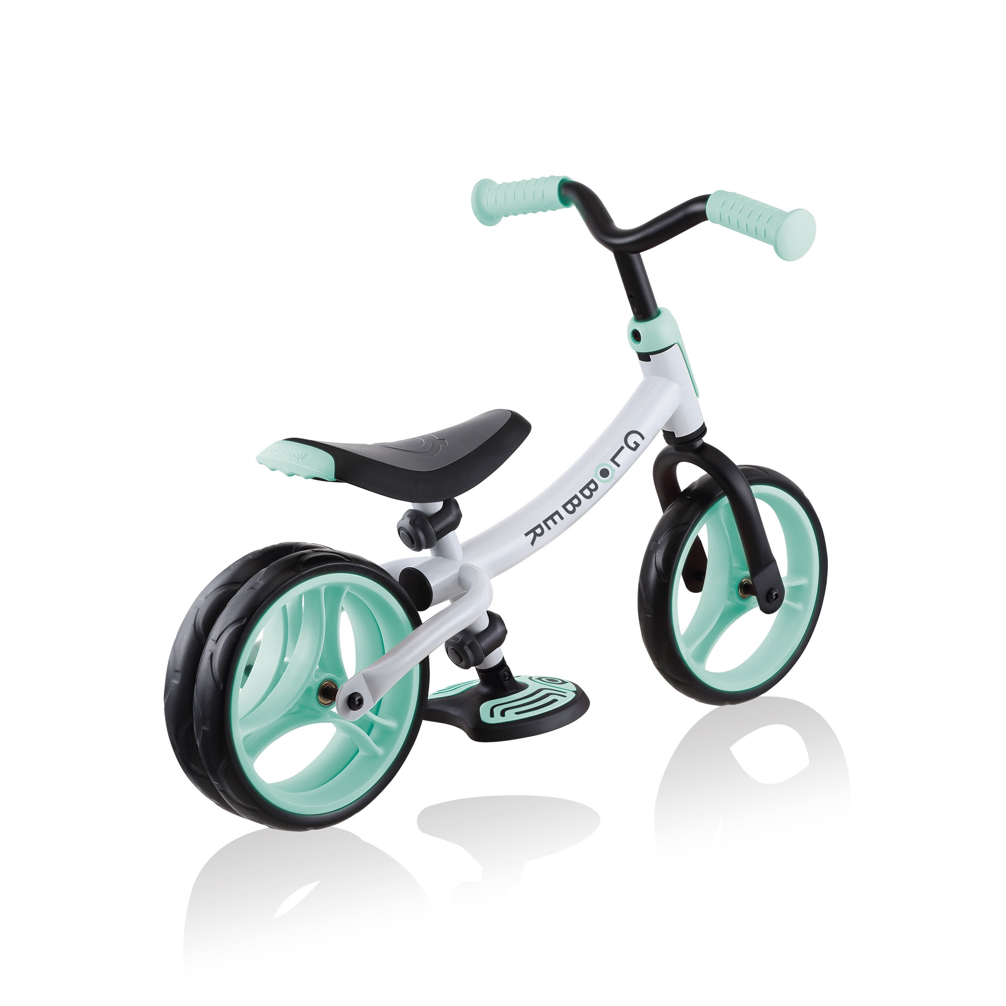 GO-BIKE-DUO-dual-rear-wheel-toddler-balance-bike-aids-balance-and-develops-motor-skills_mint 4
