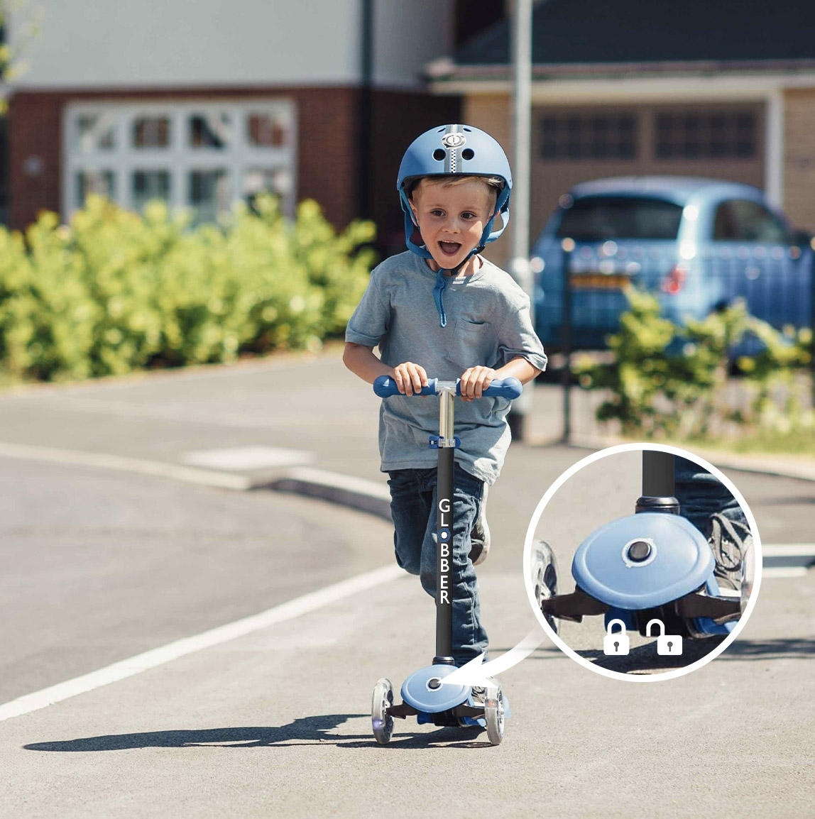 Globber-GO-UP-scooters-with-seat-patented-steering-system