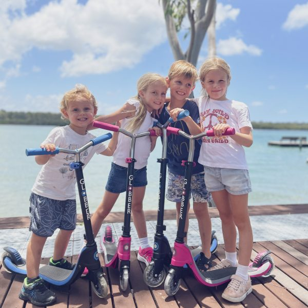 [Parent's Review] The #GlobberTribe Kid Crew on Globber's FLOW 125 LIGHTS Scooters