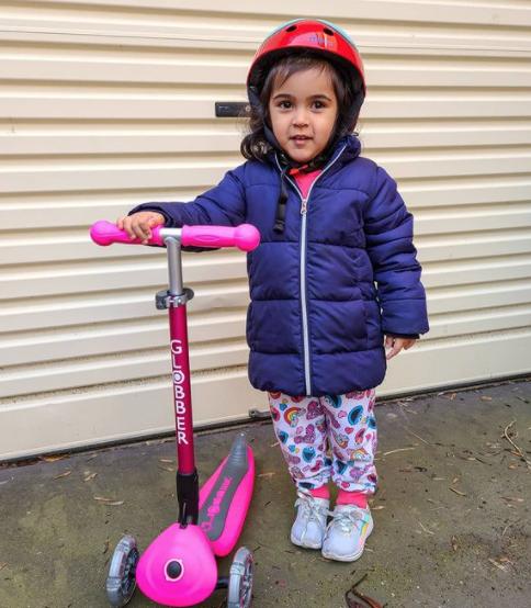 Globber Kid on PRIMO FOLDABLE LIGHTS 3-wheel scooter for kids