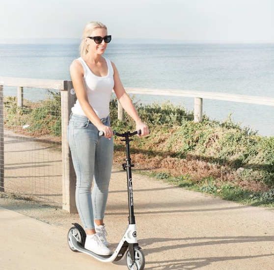 Globber scooter for adults