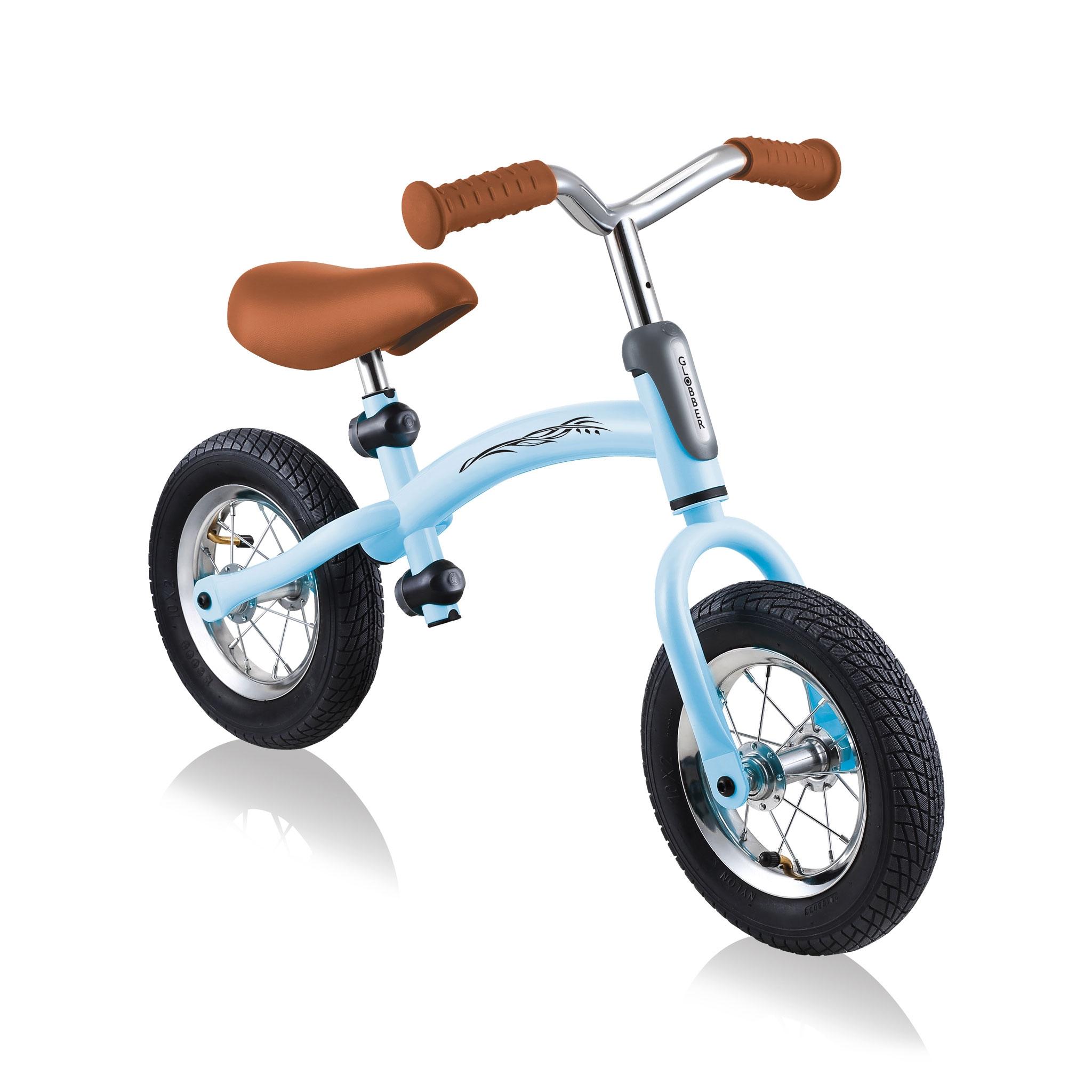 GO-BIKE-AIR-best-toddler-balance-bike-for-kids-aged-3-to-6_pastel-blue 1