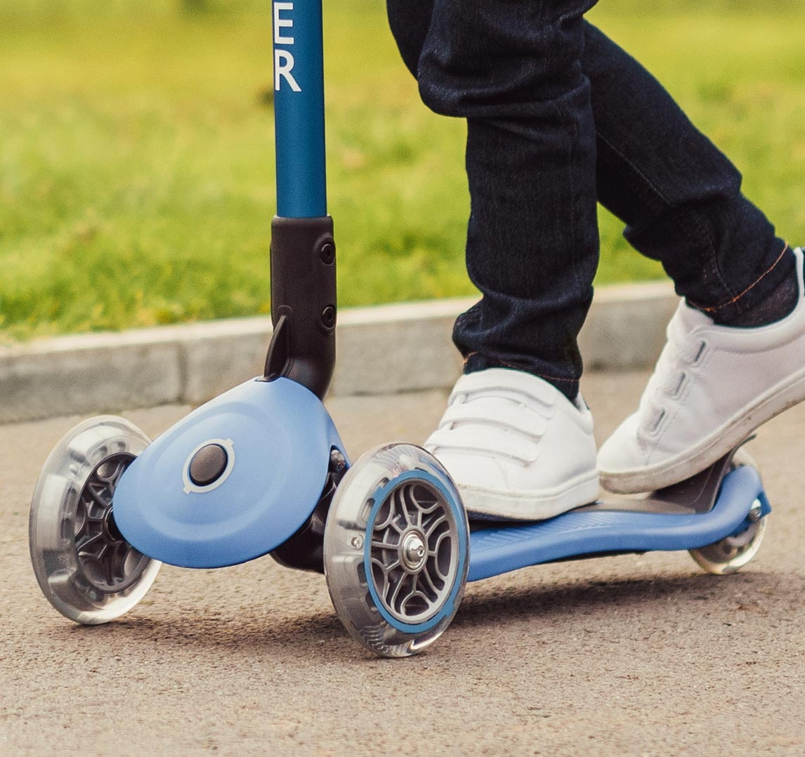 Blue 3 wheel scooter for kids