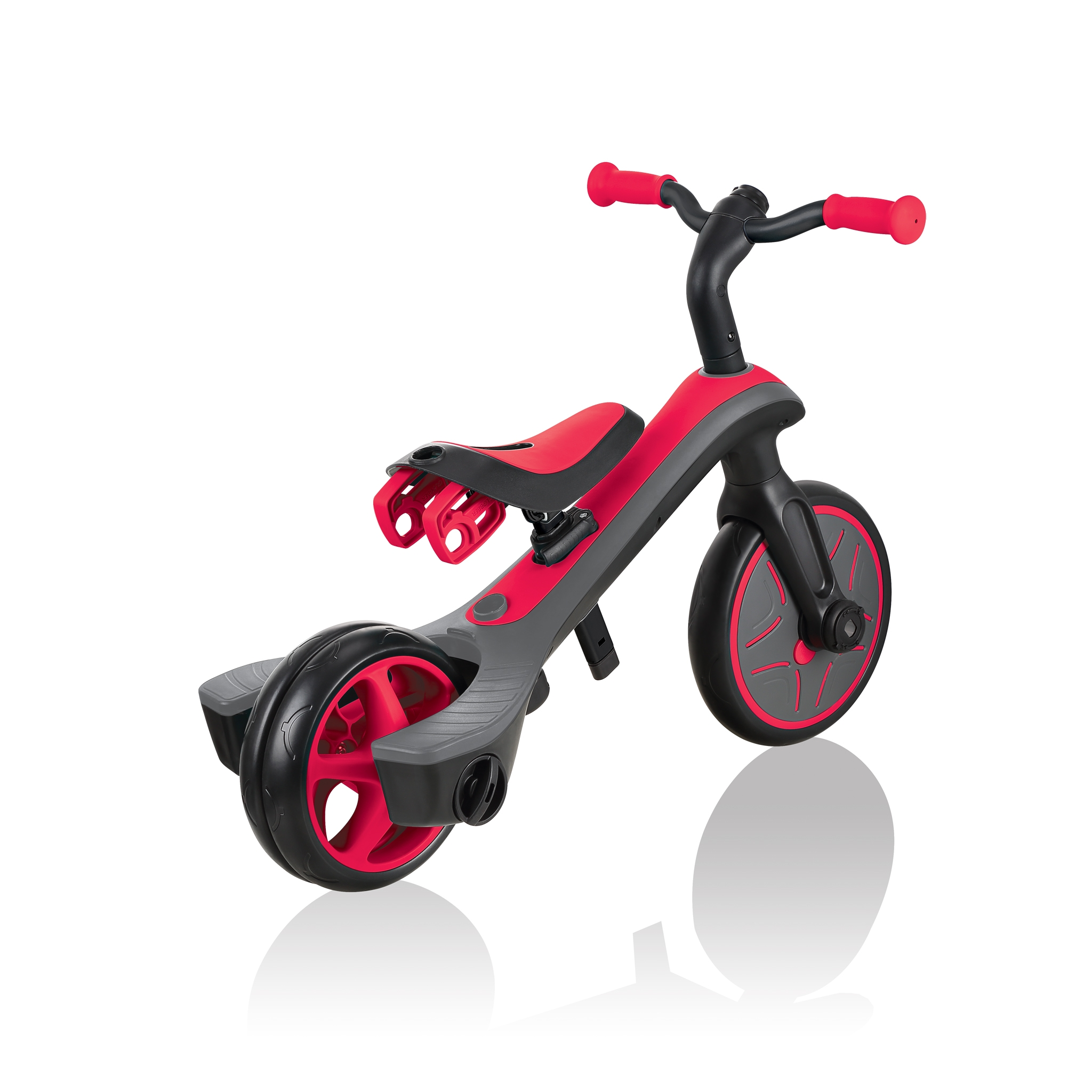 Globber-EXPLORER-TRIKE-2in1-all-in-one-training-tricycle-and-kids-balance-bike-with-smart-pedal-storage_new-red 4
