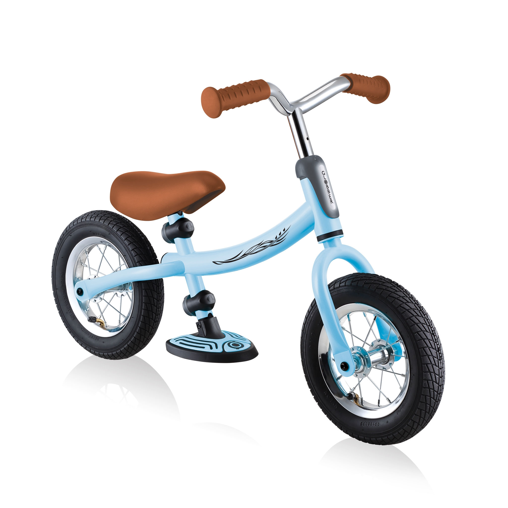 GO-BIKE-AIR-adjustable-toddler-balance-bike-with-reversible-frame 0