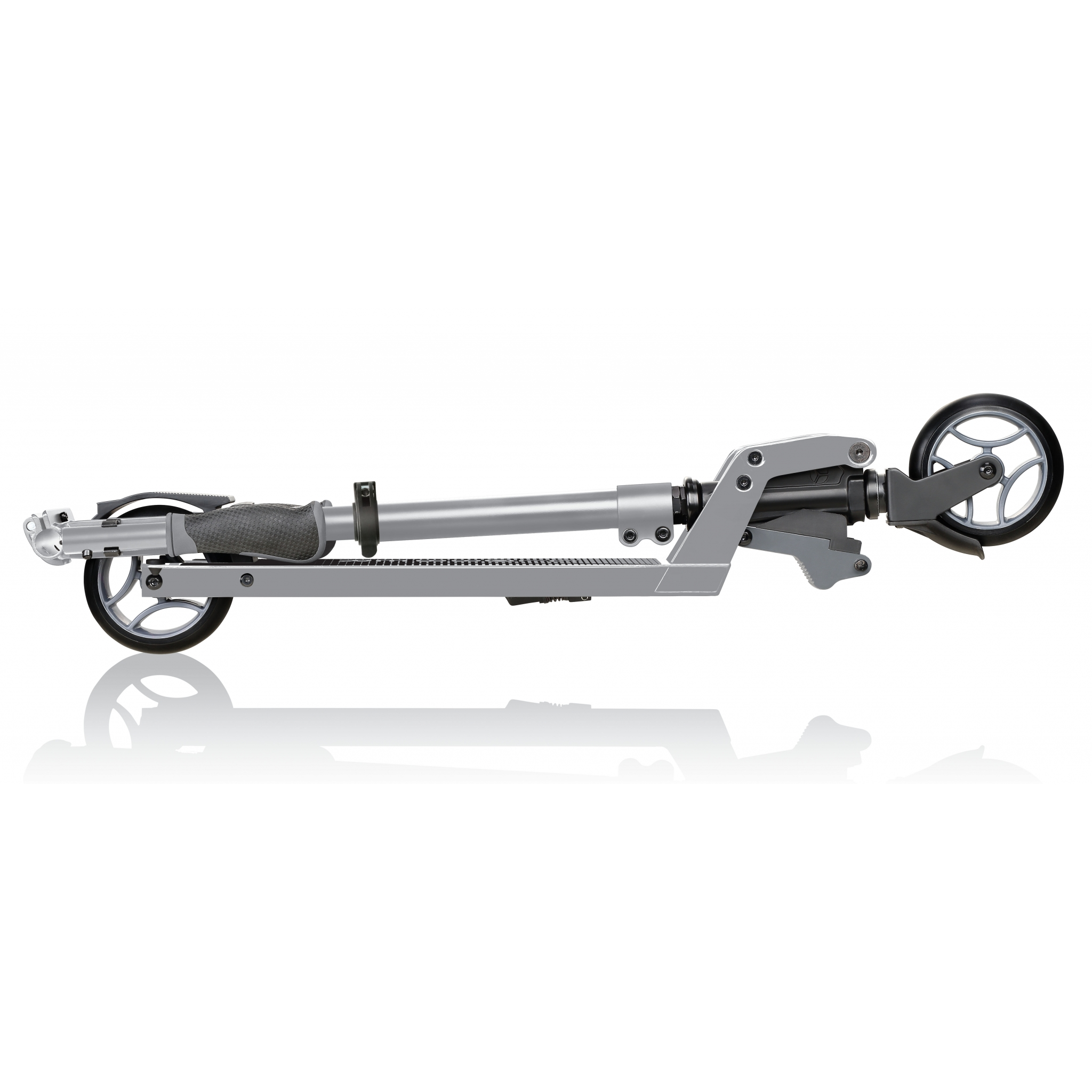 ONE-K-125-2-wheel-teen-scooter-foldable-scooter-and-handlebars_silver 3