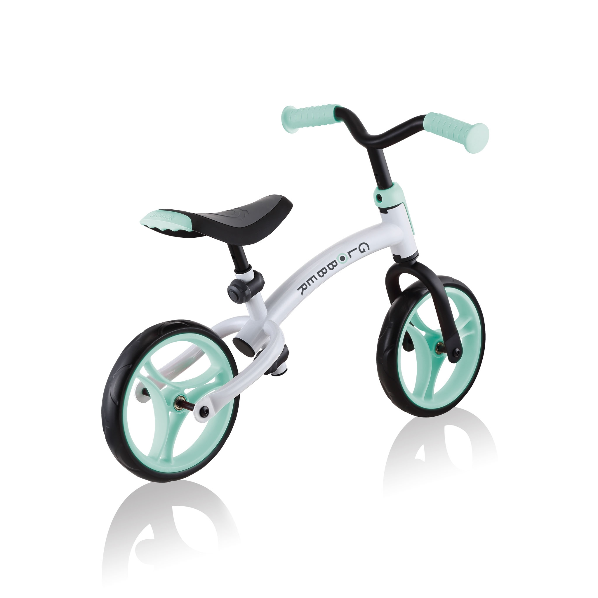 GO-BIKE-DUO-toddler-balance-bike-with-reversible-frame-transform-from-low-frame-position-to-high-frame-position_mint 5