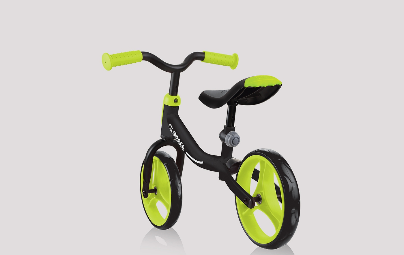 Easy to carry balance bike