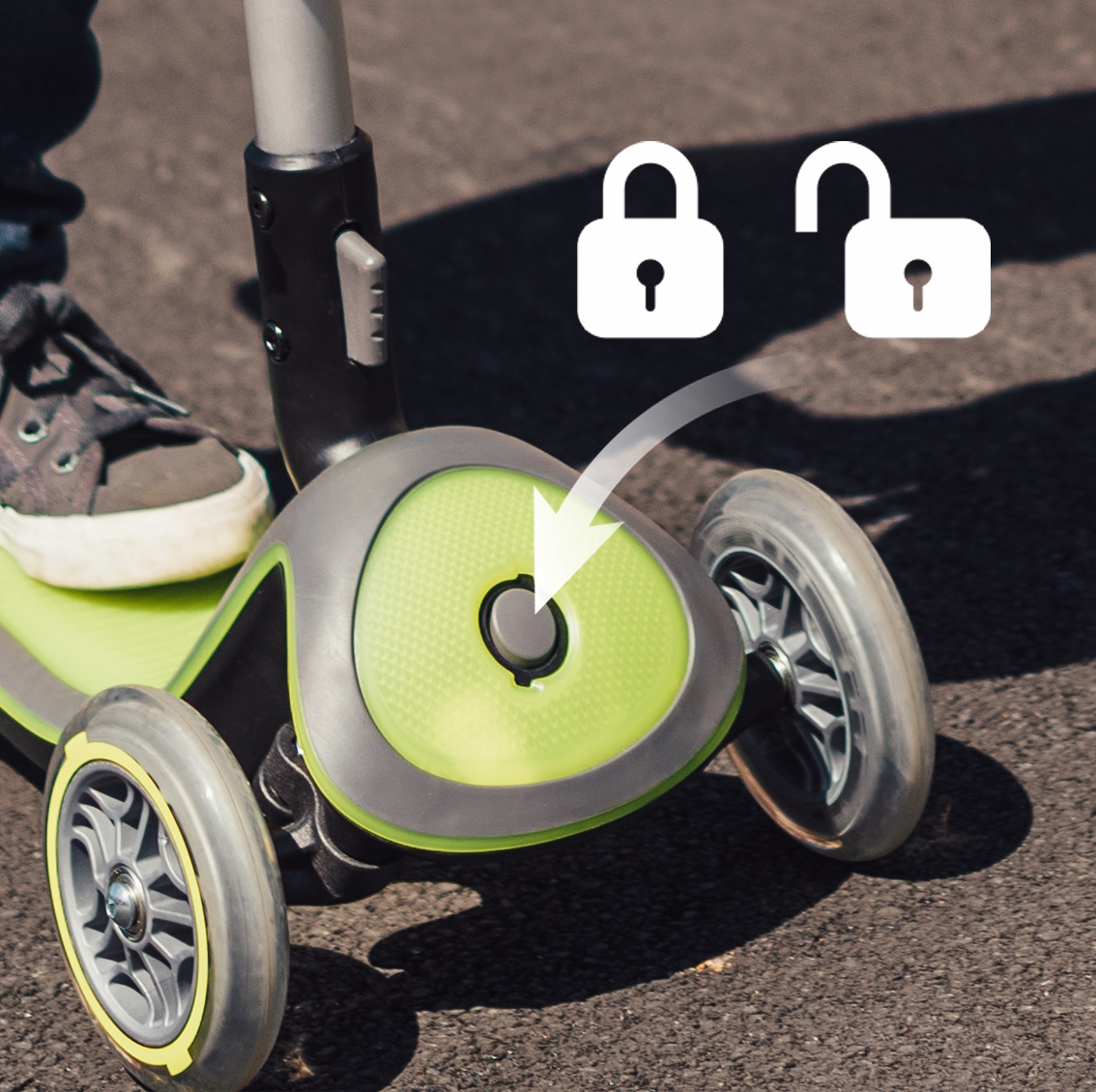 scooter for kids with patented steering lock button