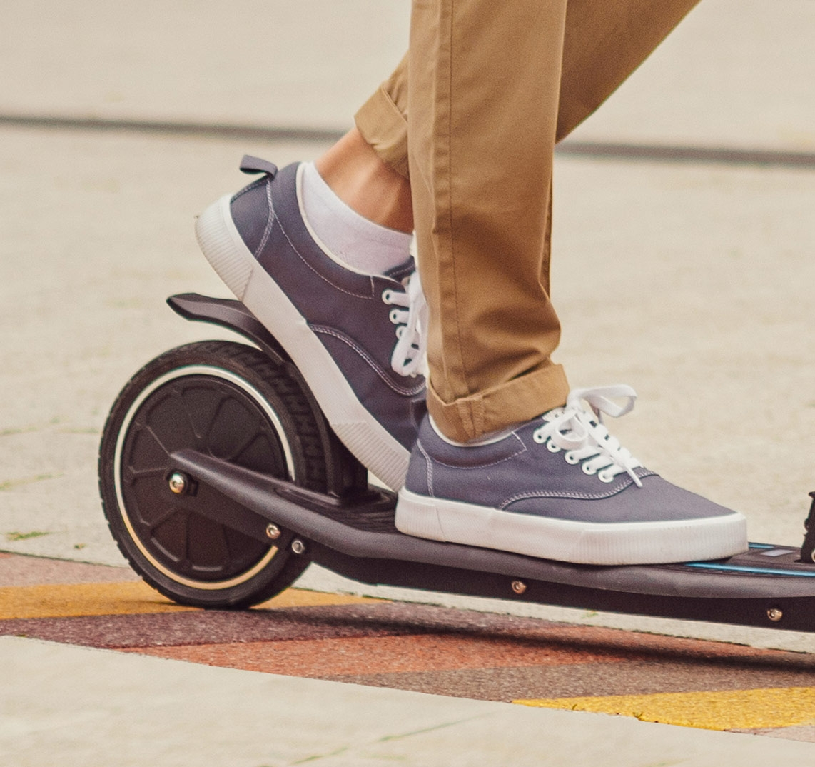 ONE-K-EMOTION-electric-scooter-with-E-ABS-braking-system